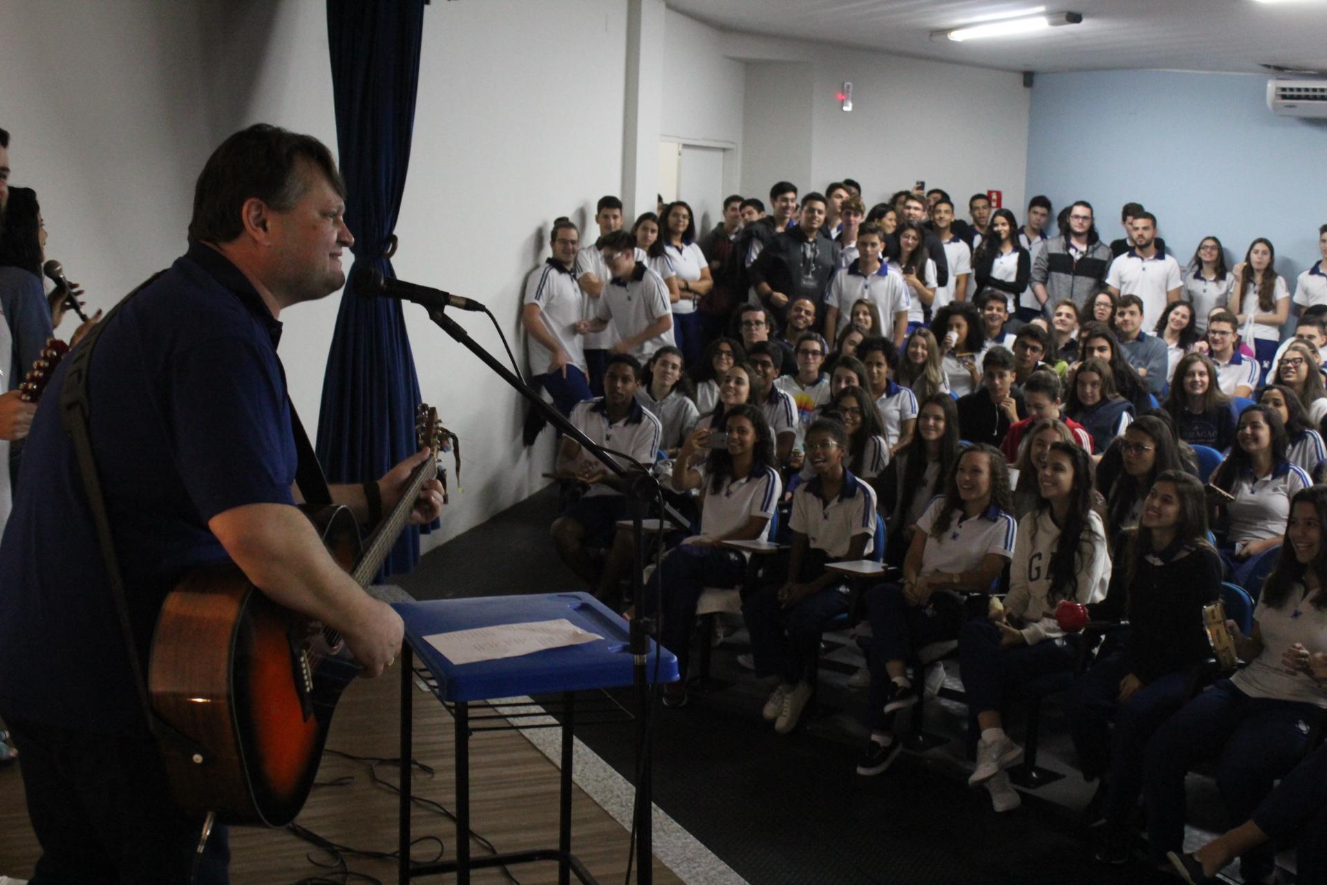 Recreio Musical ajuda a aliviar o estresse dos alunos