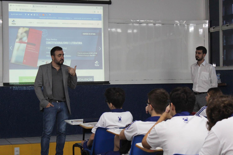 Estudantes da 2ª série participam da Jornada de Informação Profissional