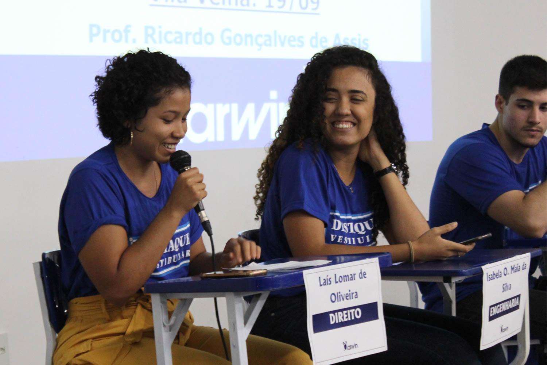 Ex-alunos compartilham experiências no Painel Destaques do Vestibular