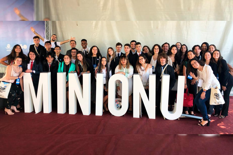 Alunos do Ensino Médio participam do 20º MINIONU em Belo Horizonte